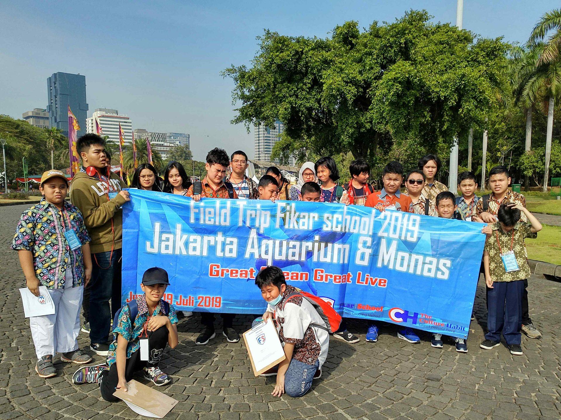 kegiatan fieldtrip aquarium Jakarta dan monas